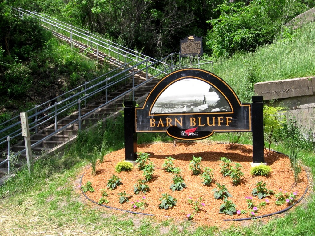 Barns_Bluff_Sign_June10_2008