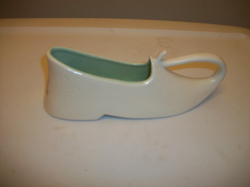 shape 733 shoe planter